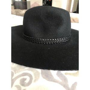 NWOT Floppy Black H&M Hat 🖤